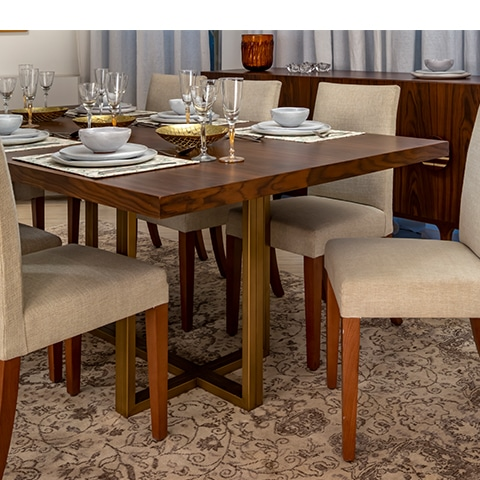 INCANTO Dining Table