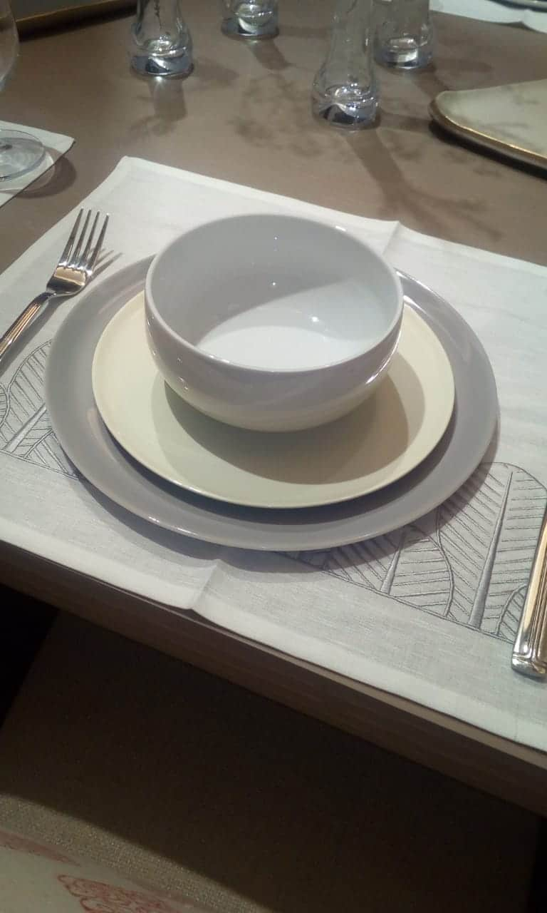 Grey dinner set