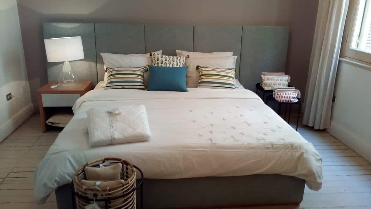 Vertical Panel Extended Headboard + King size upholstered bed base