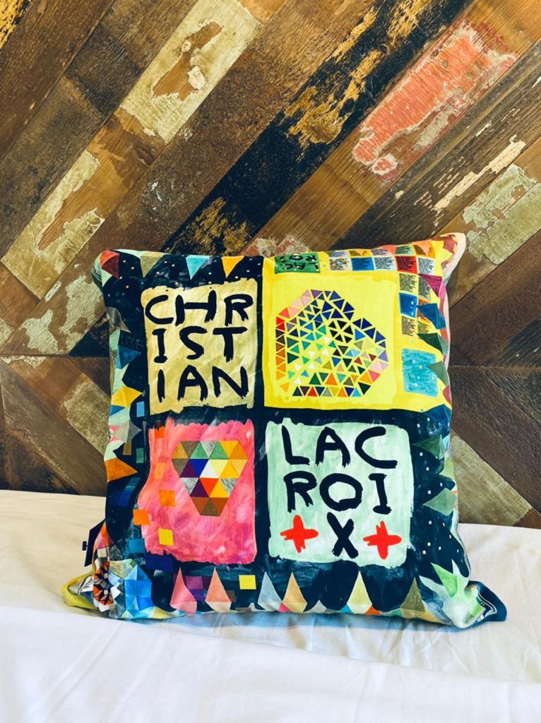 Lacroix Pillow Un